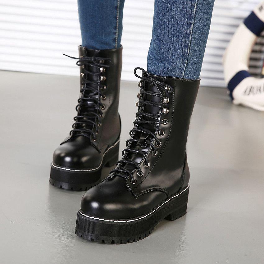 Cómo combinar botas militares Mujer 20